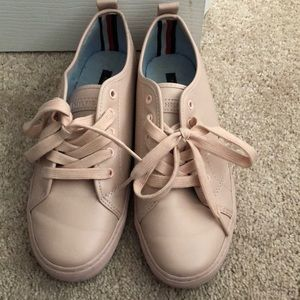 Nude Tommy Hilfiger sneakers